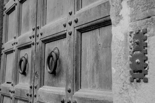 Porte d'entrée : une histoire lourde de sens