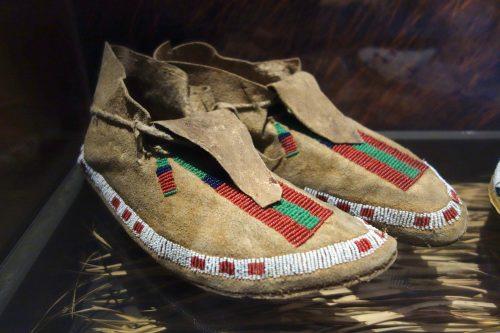 mocassins des tribus d'amérique du nord