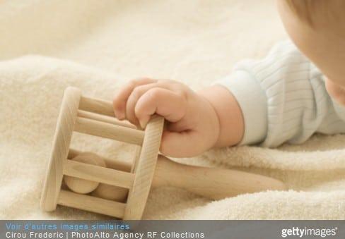 Le hochet : le plus vieux jouet du monde