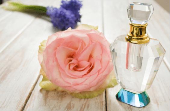 L'histoire du parfum et des parfumeurs à travers les siècles
