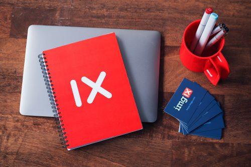 objets publicitaires carnet rouge cartes de visites stylos