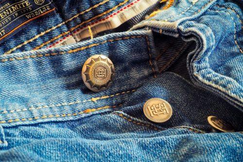 boutonnière de jean pour homme